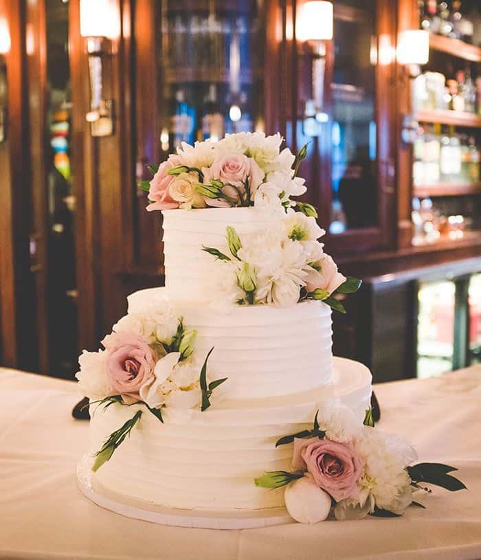 Navasota wedding cake