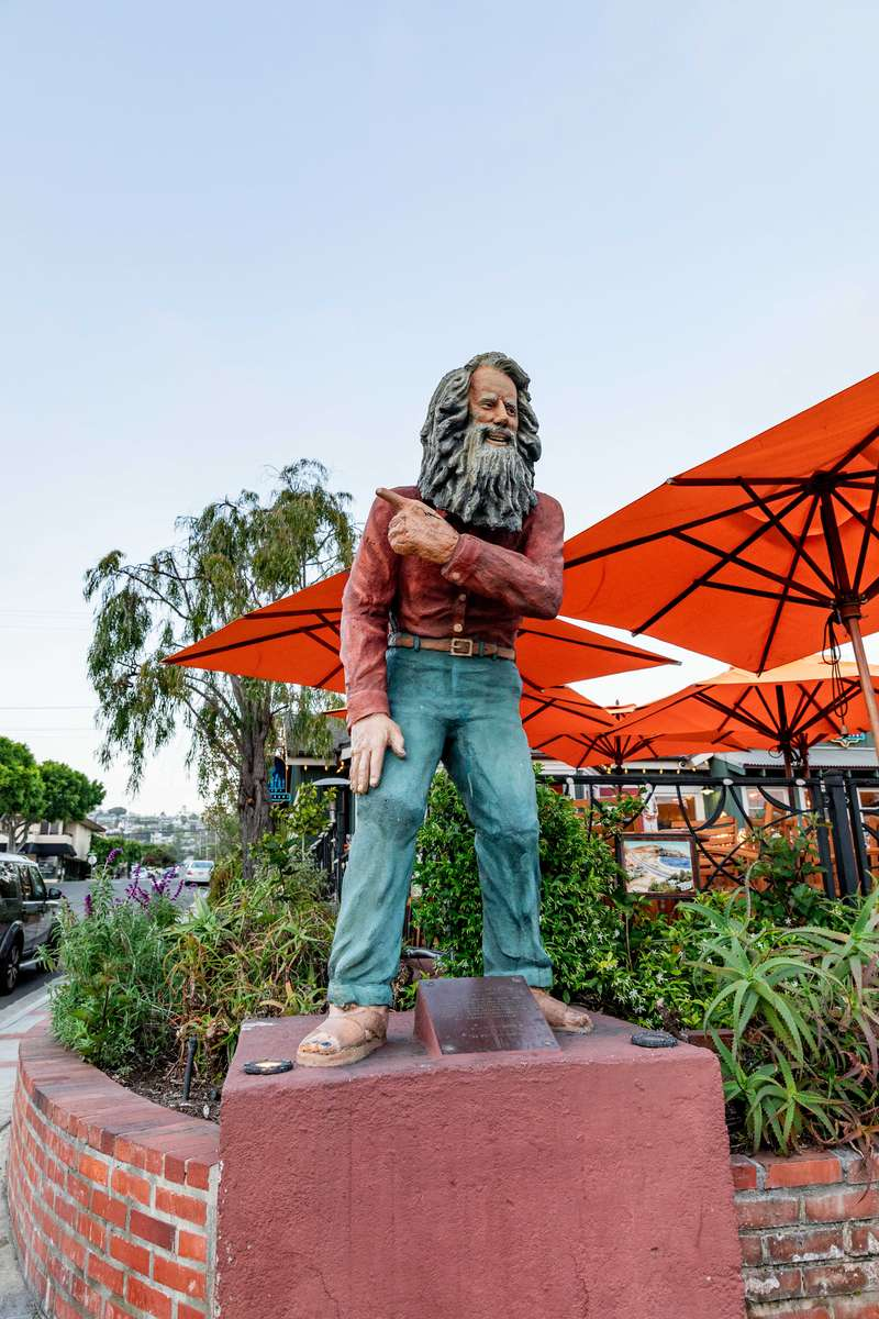 Statue of Laguna Beach's Greeter (Sarah King)