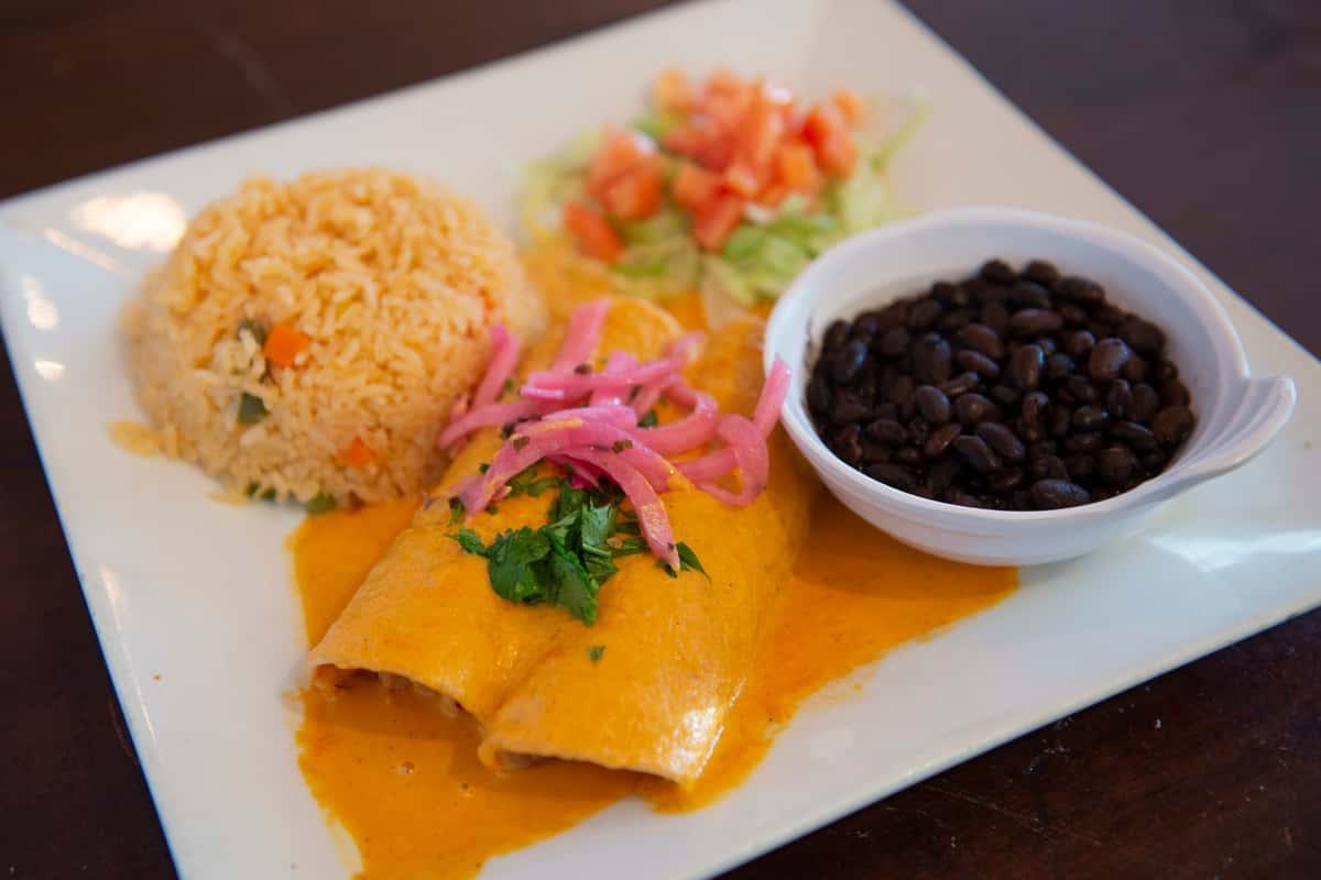 Enchiladas en Salsa de Habanero