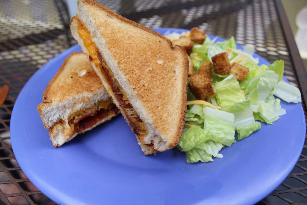Texas Toast Grilled Cheese and Bacon