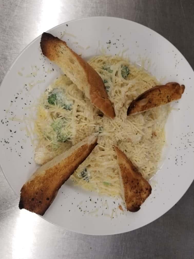 Chicken and Broccoli Alfredo**