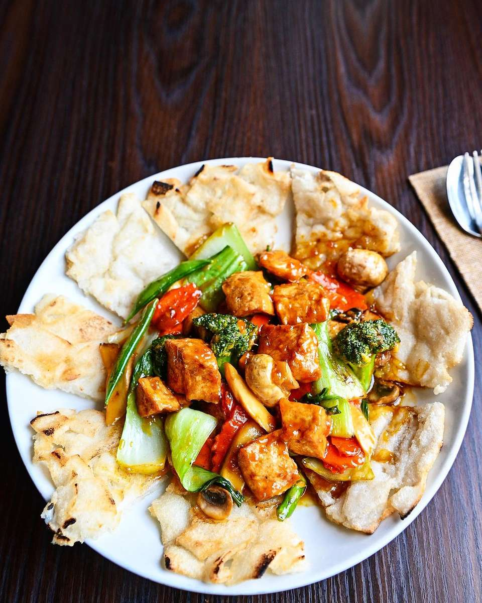 Crispy Rice Noodles with Tofu & Vegetables