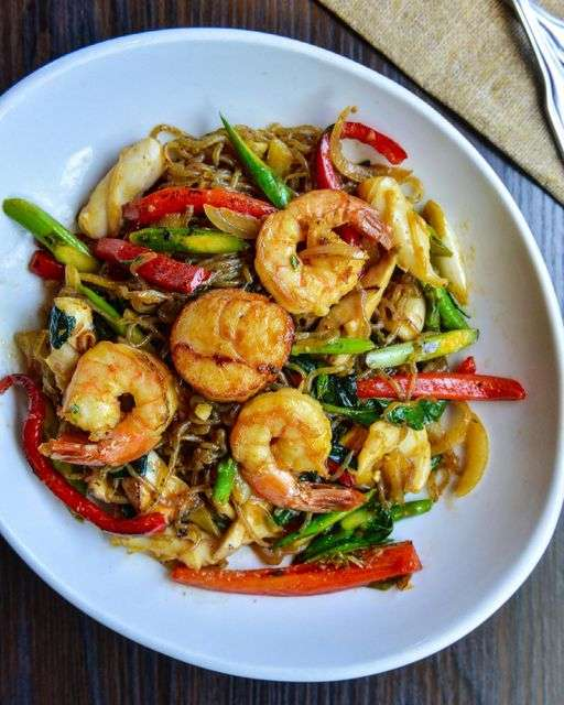 Miracle Shirataki Noodles with Seafood