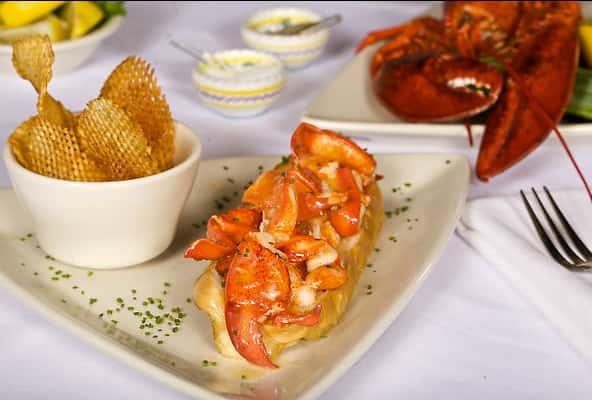 Stonebridge Fresh Lobster Roll