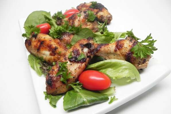 Grilled Chicken Wings (Jawaneh)
