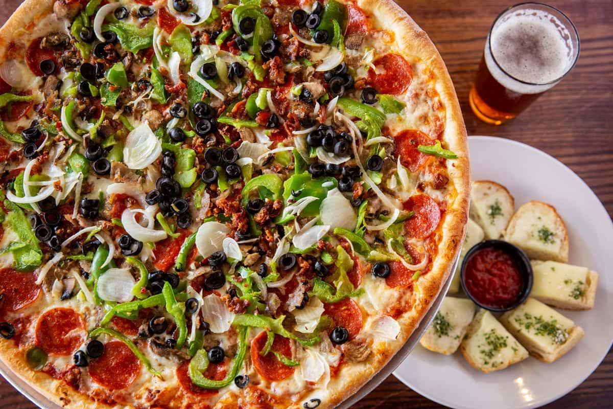 Winter Garden Deluxe Pizza