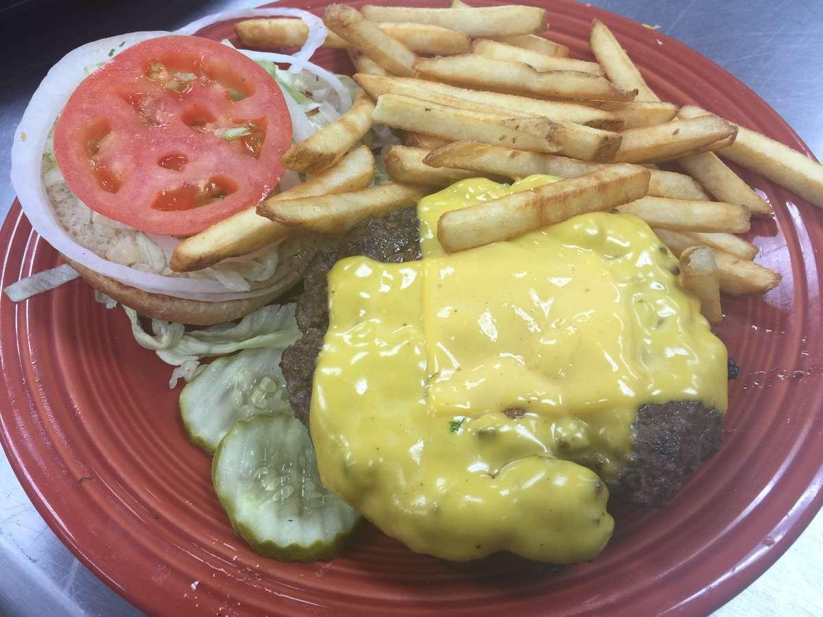 *Deluxe Cheeseburger