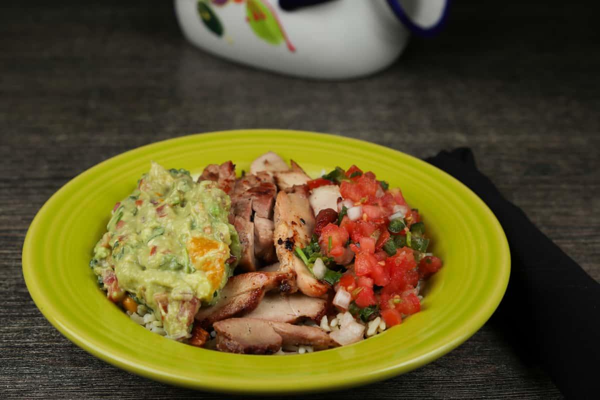 Pollo or Carne Bowl