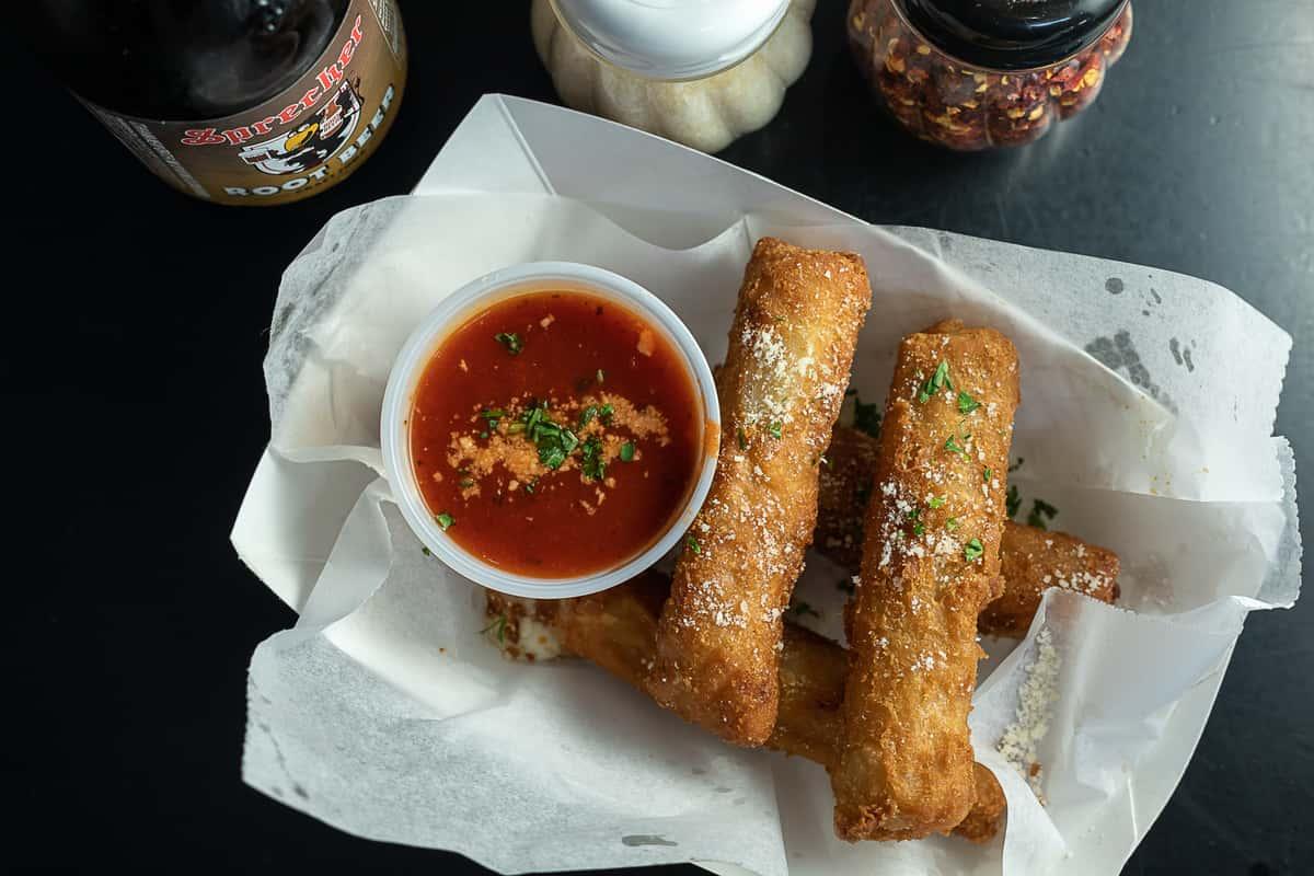 Mozzarella Sticks (4)