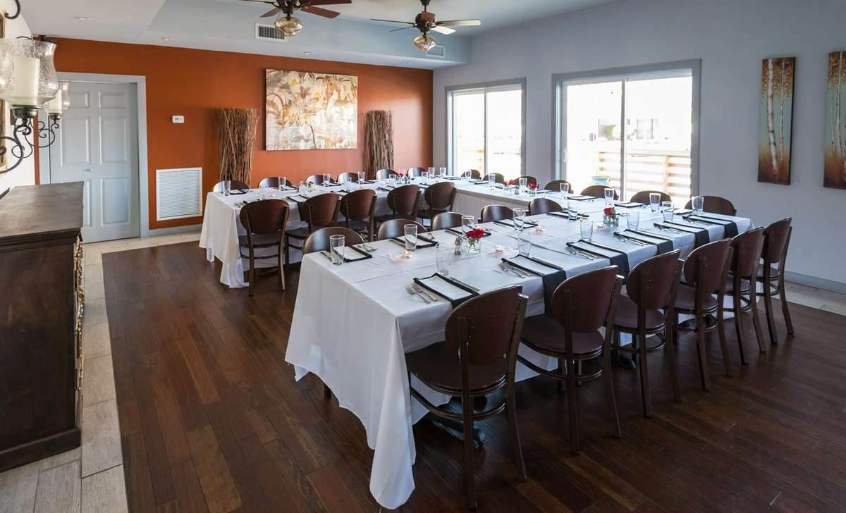 Gabe's Event Space - L Shaped Table Dining