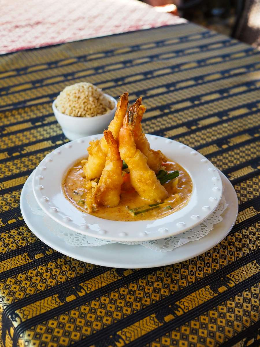 49. Shrimp Curry (kung thawt raat prik)