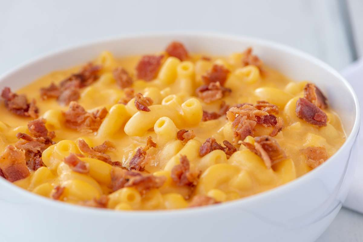 Jalapeño Flavored Bacon Mac & Cheese