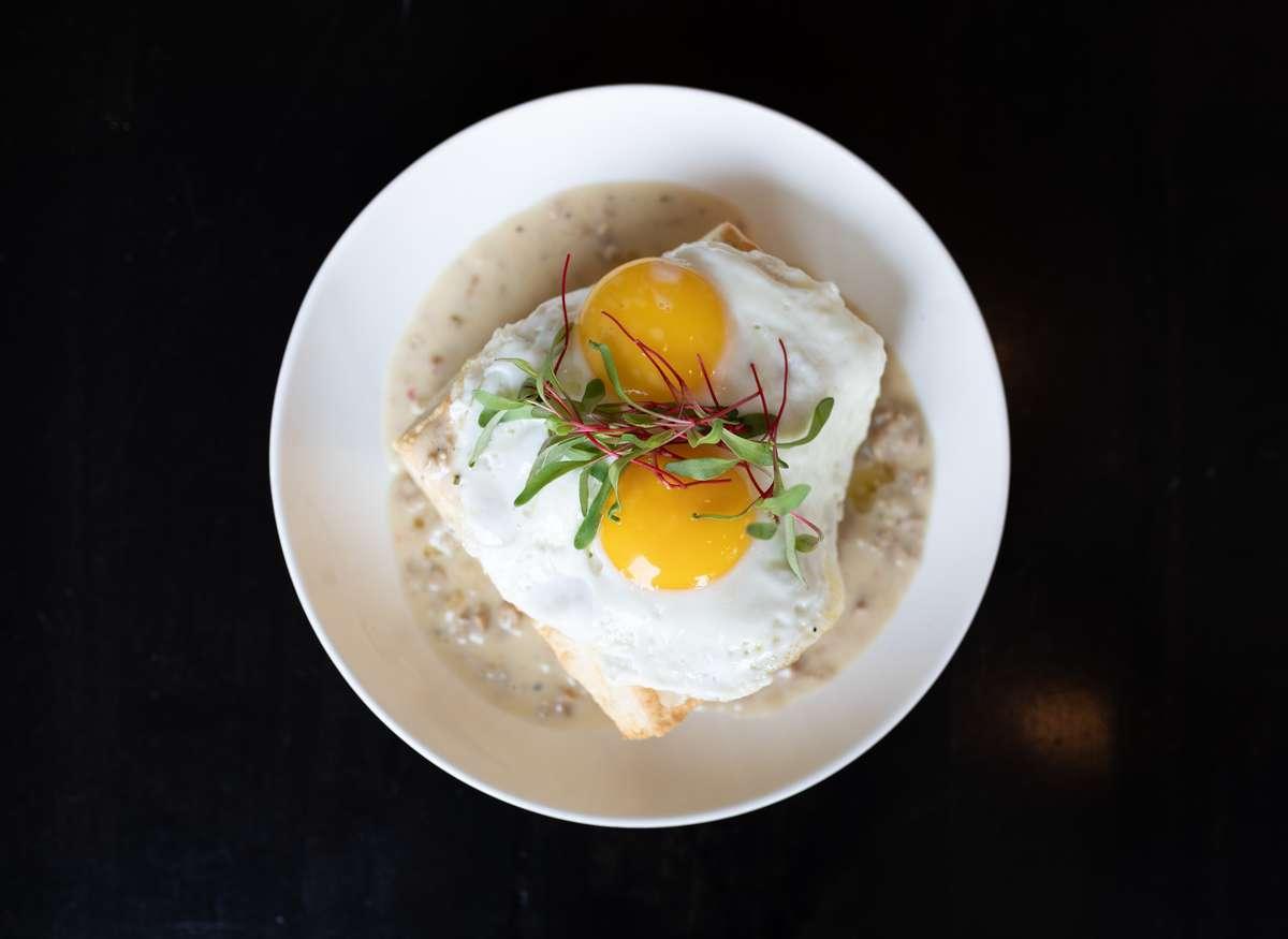 eggs over easy with gravy