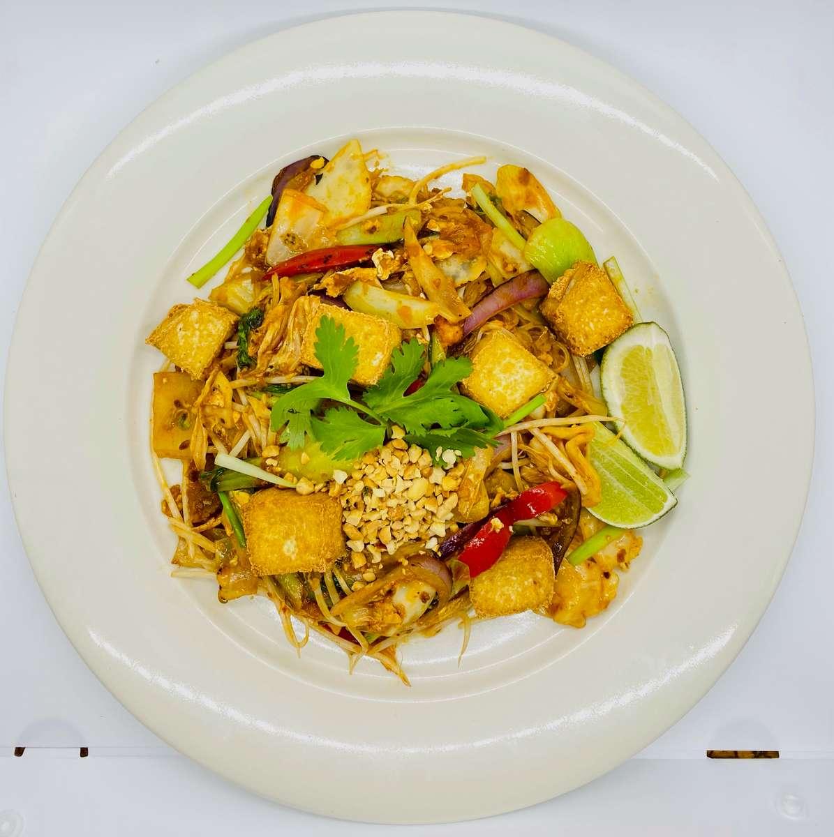 18V: Vegetable Pad Thai