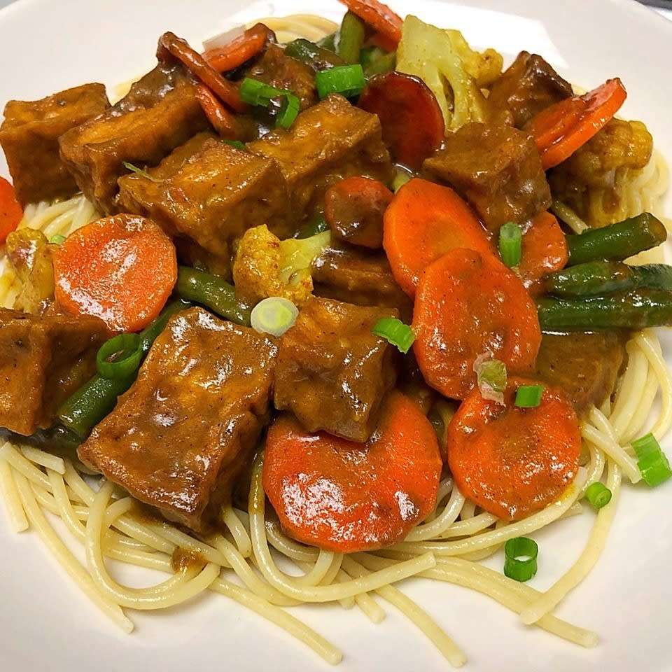 Rasta Curry Pasta w/ Tofu