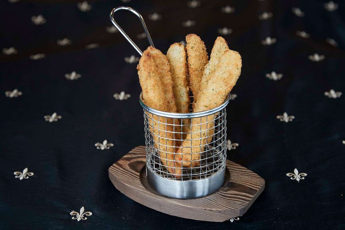 Fried Pickle Spears (6)