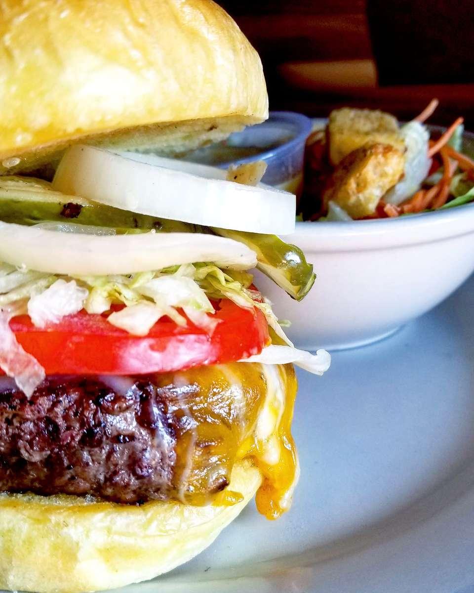 Tavern Cheeseburger