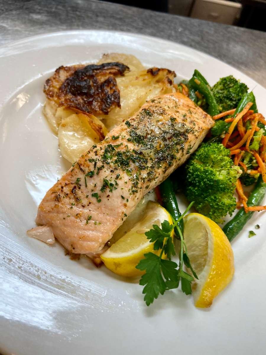 Broiled Norwegian Salmon