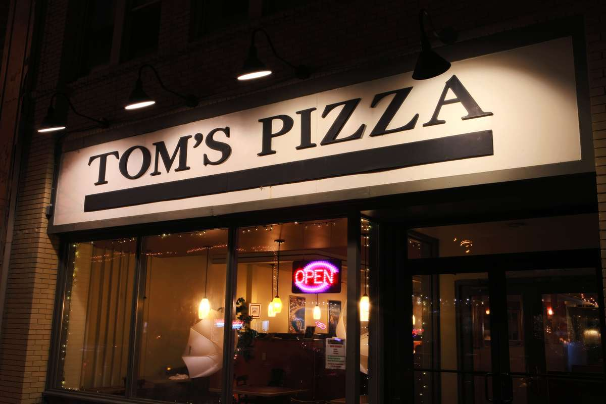 toms pizza