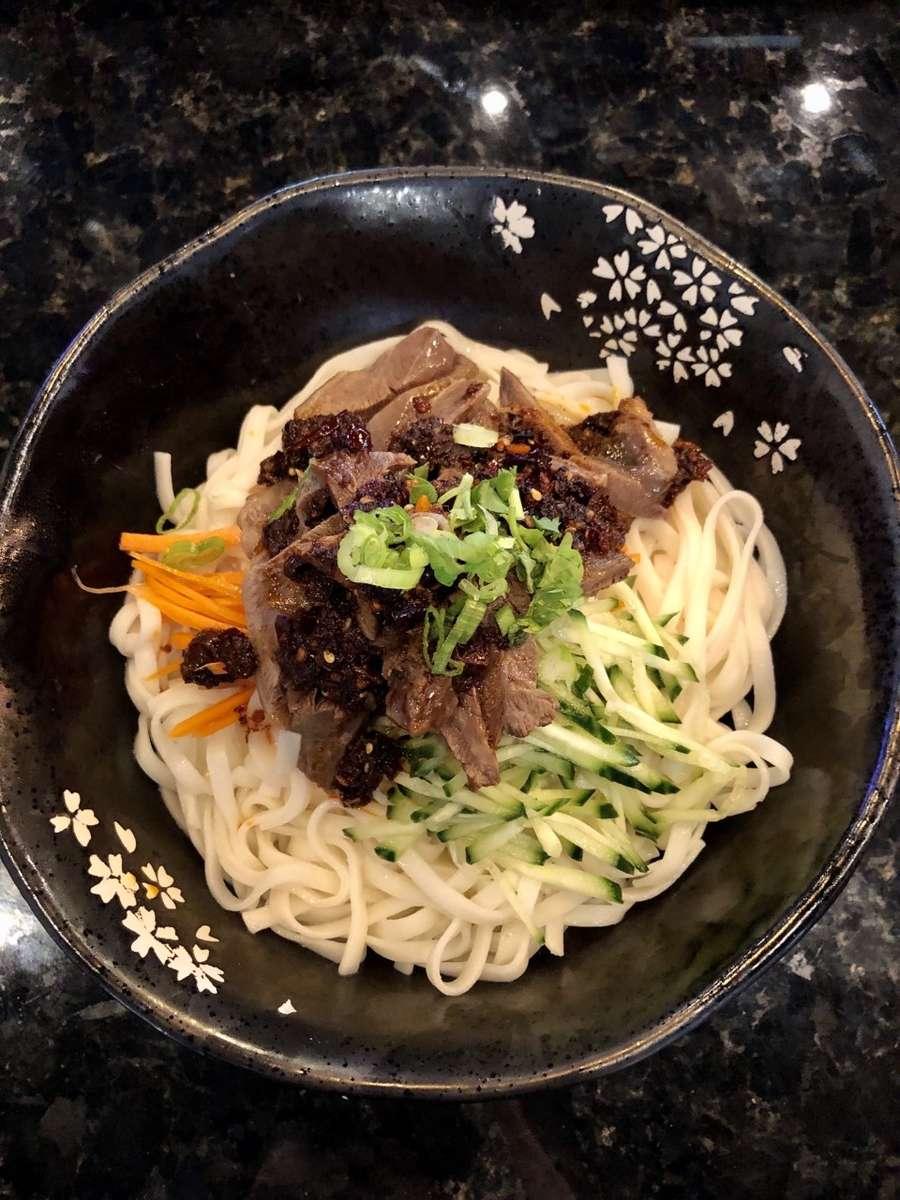 Spicy Beef Noodle (No Soup) (麻辣牛肉乾拌麵)