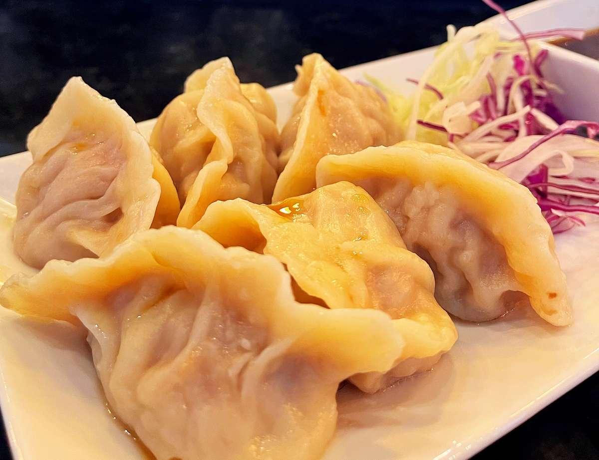 Housemade Pork Cabbage Dumpling (6 pcs)(Limited Quantity)