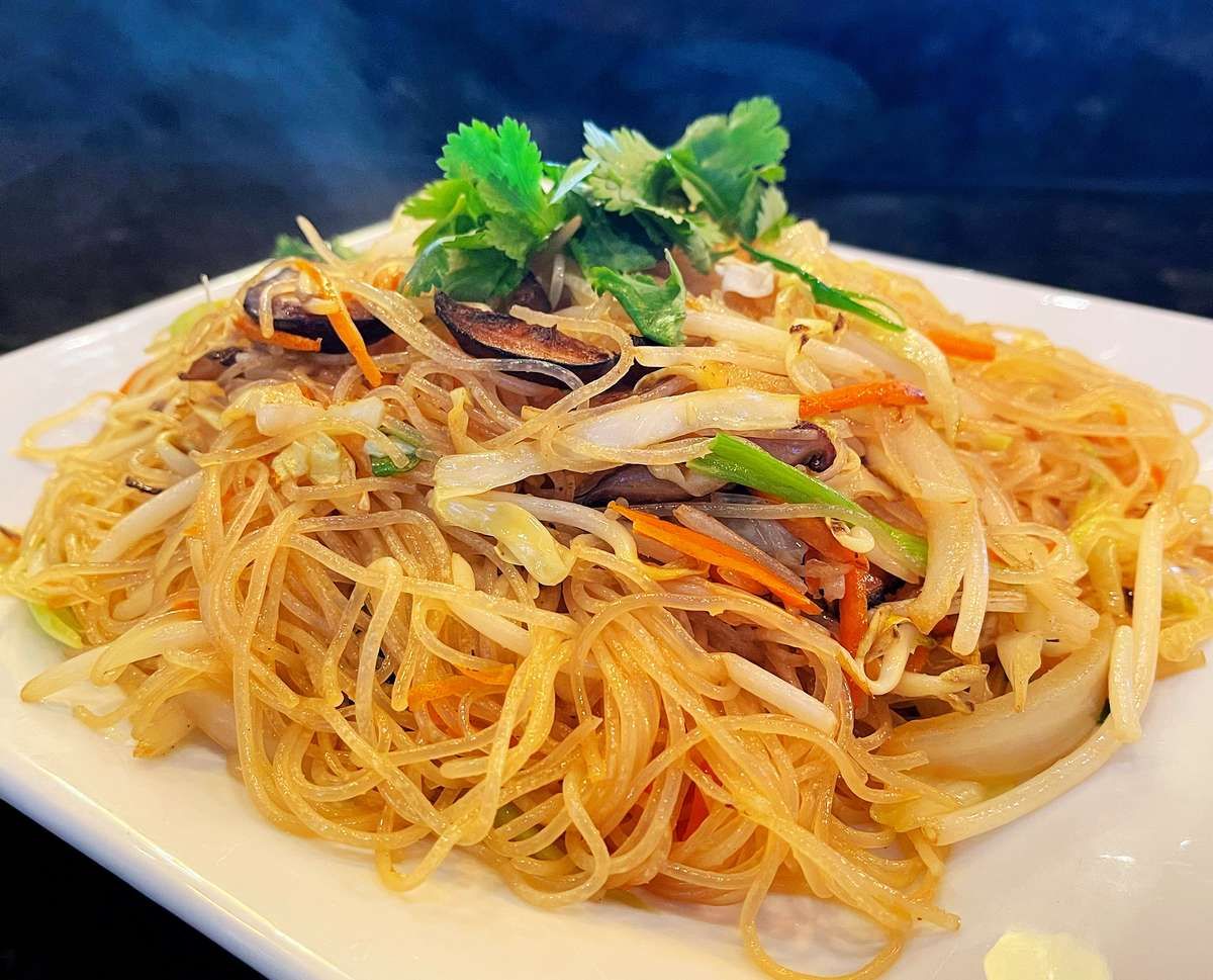 Taiwanese Stir-Fried Rice Noodle 炒米粉