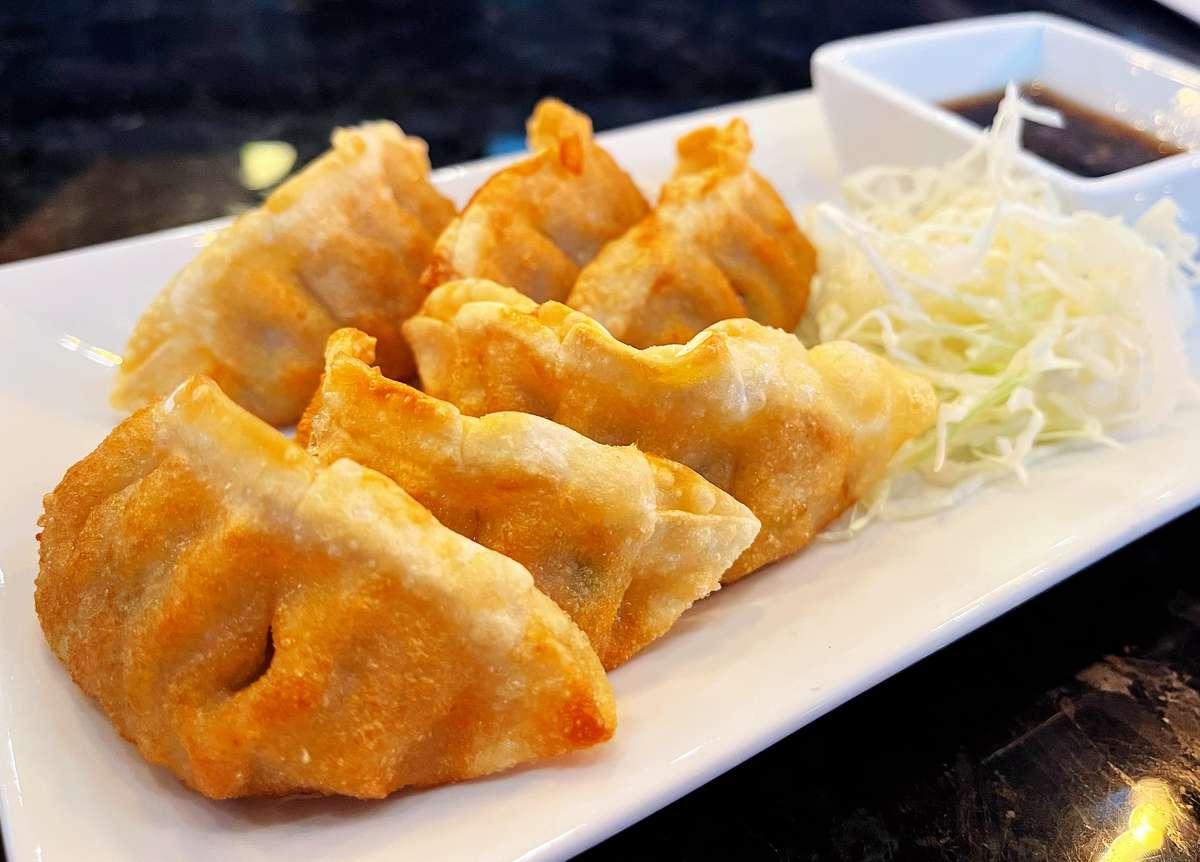 Fried Pork Dumpling 鍋貼 (6)