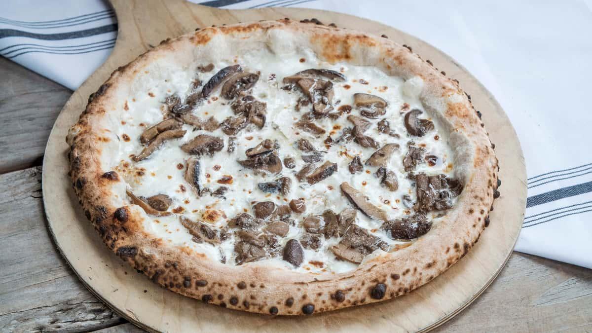 Stracciatella Pizza