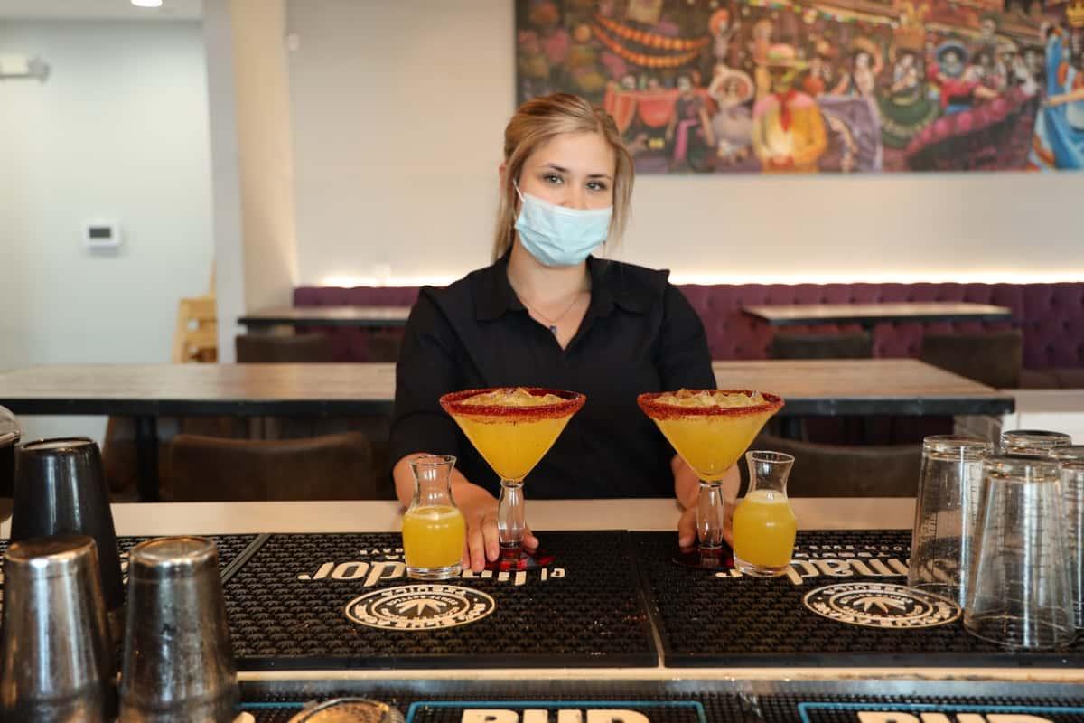 bartender margaritas