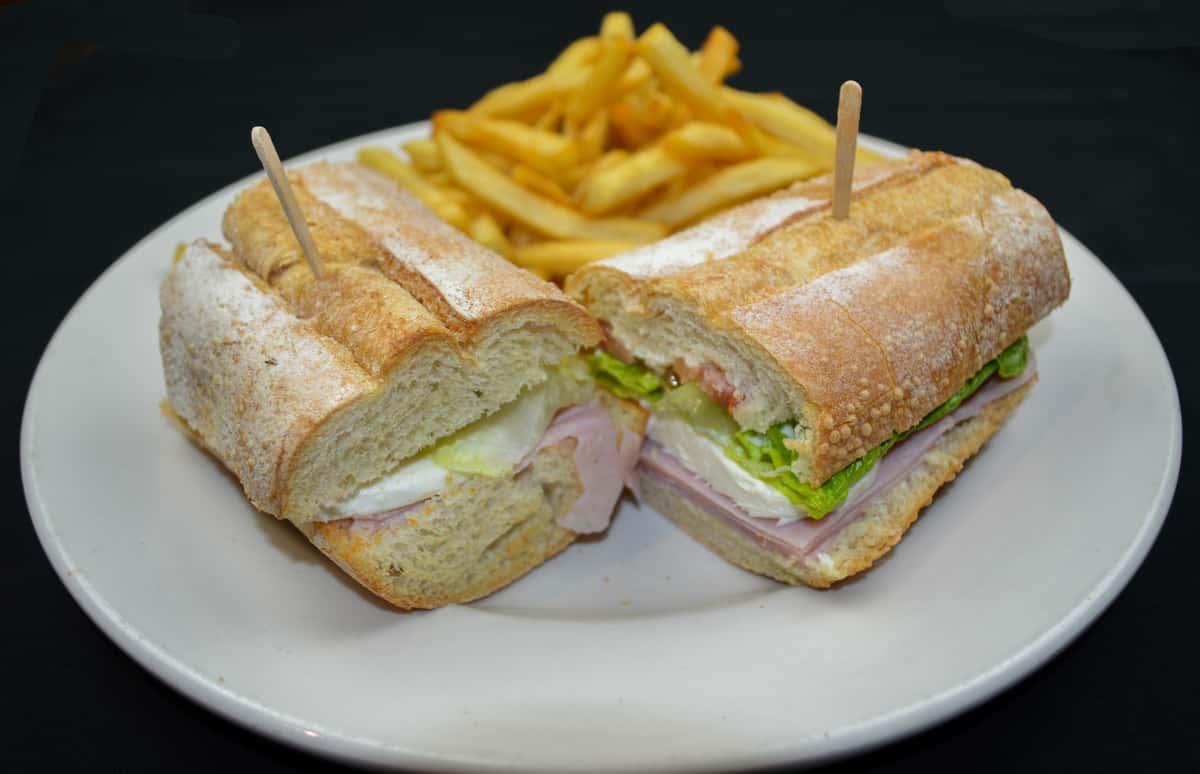 Jamon y Queso Sandwich