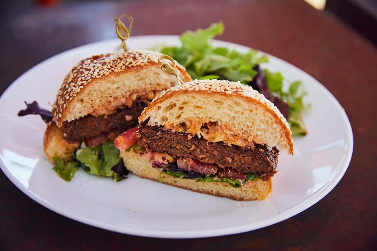 Comoncy Beyond Burger