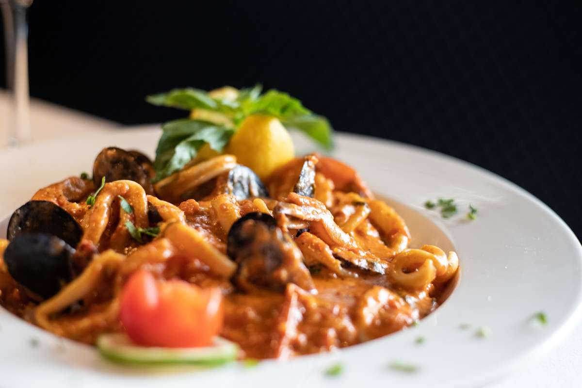 Linguini with Mussels Fradiavolo