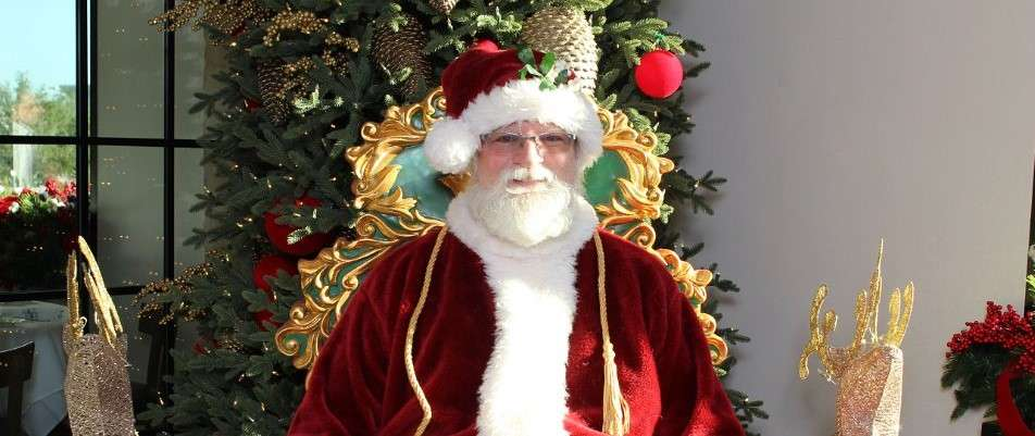 Brunch & Photos with Santa