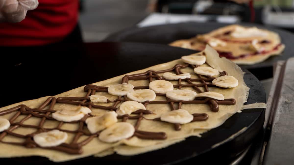 crepe with banana and chocolate