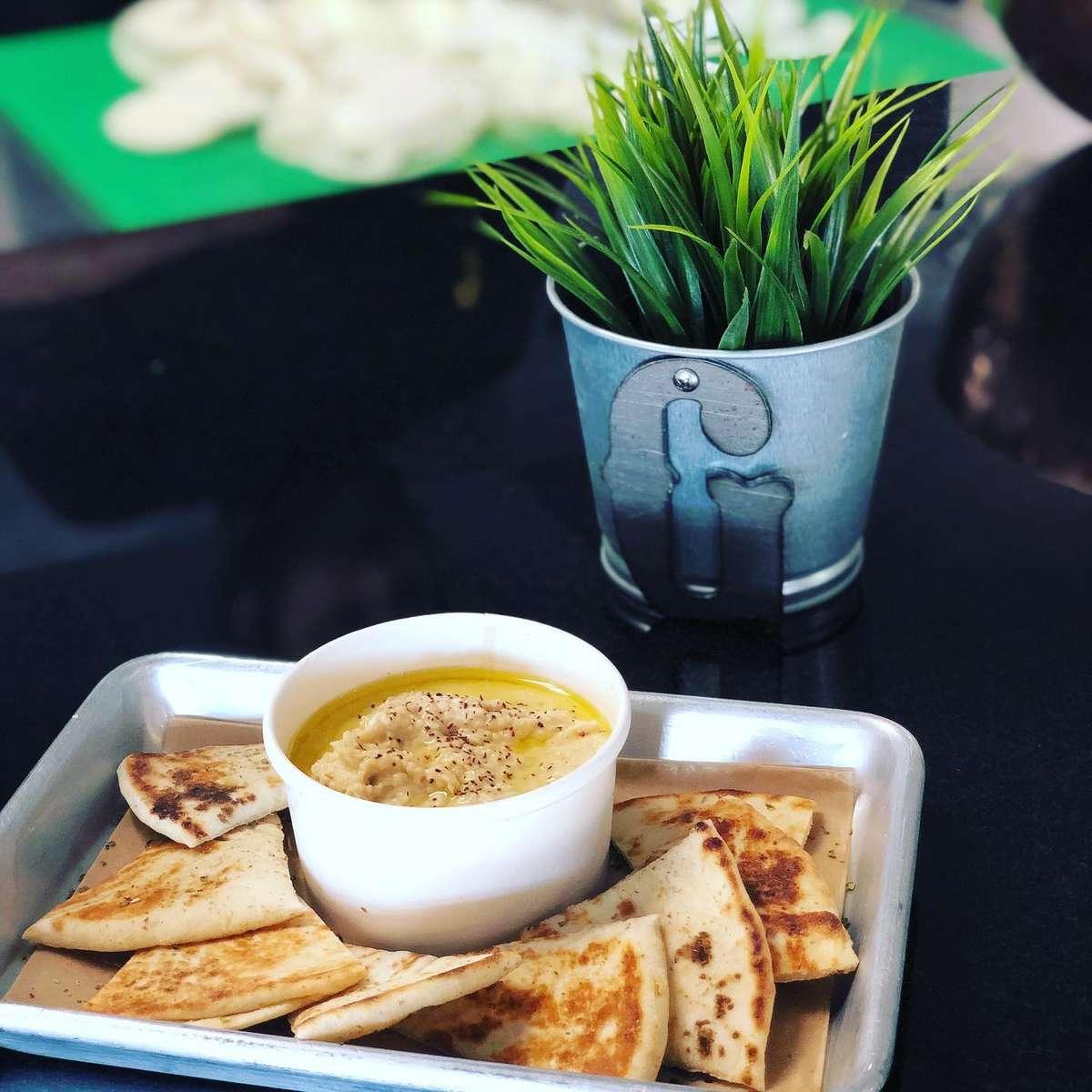 Pita & Hummus