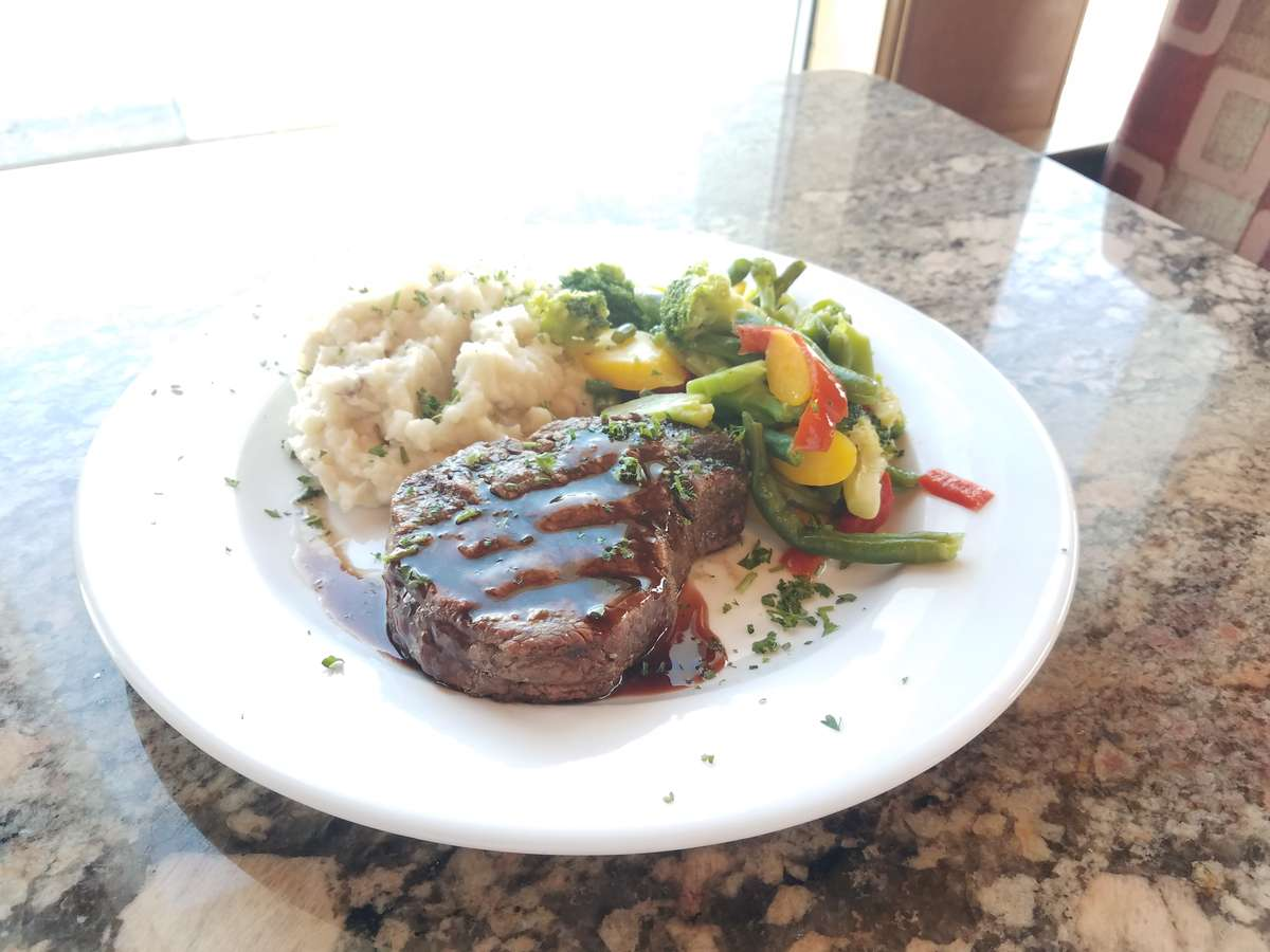 8 oz. Filet Mignon (angus beef)