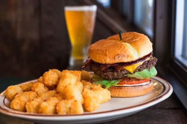 Bacon Cheddar Burger*