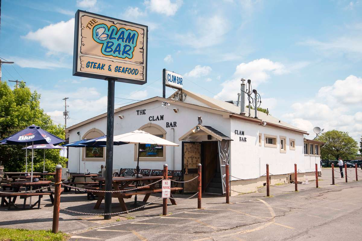 clam bar exterior