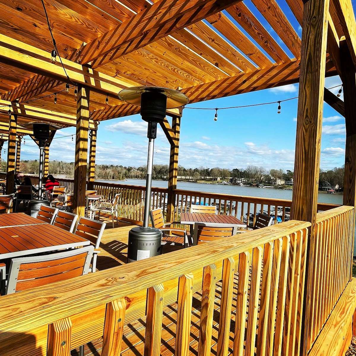 outdoor seating area overlooking Lake Norman