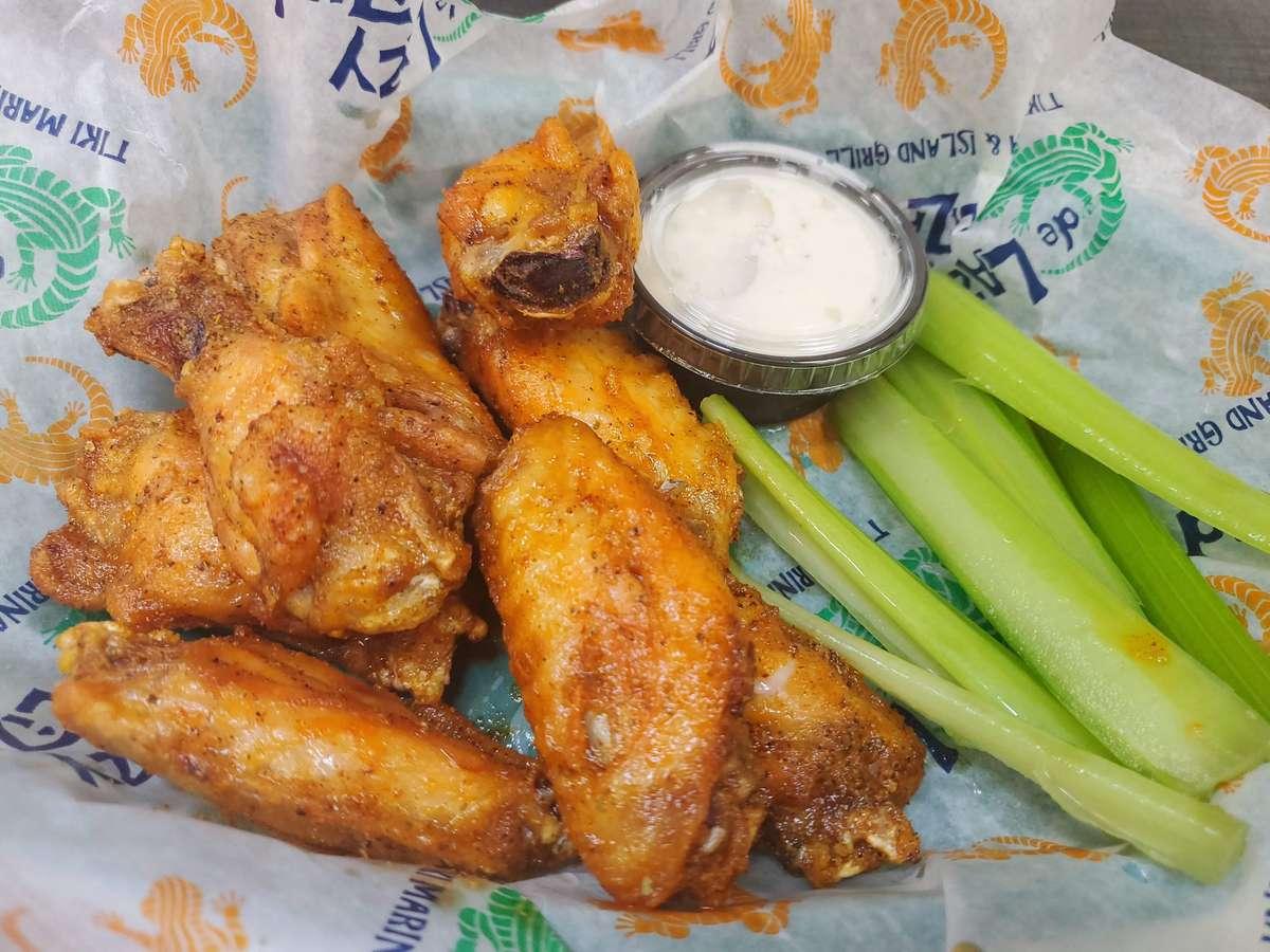 8 Crispy Wings