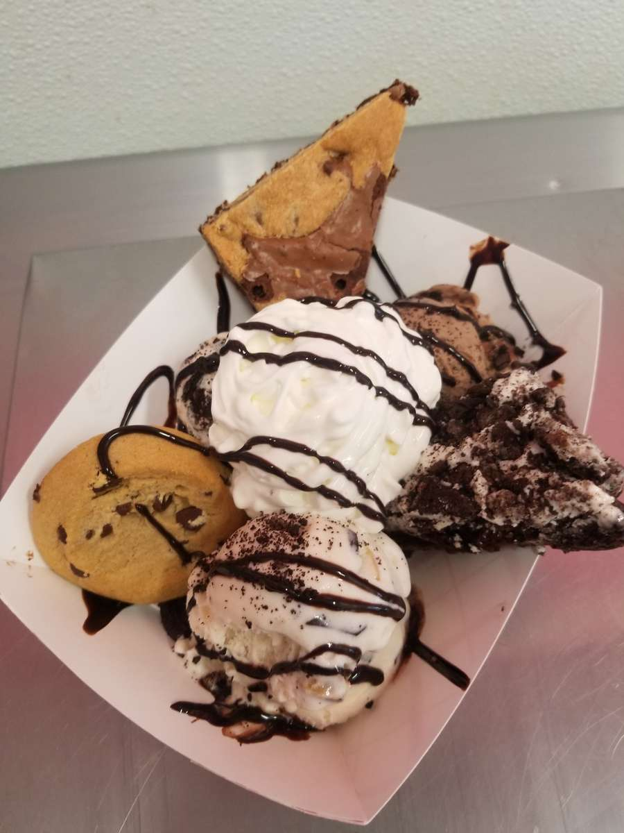 Cookie Lover's extreme Sundae