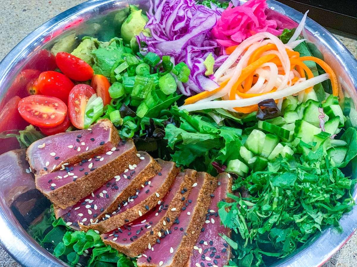 Seared Tuna Salad $18