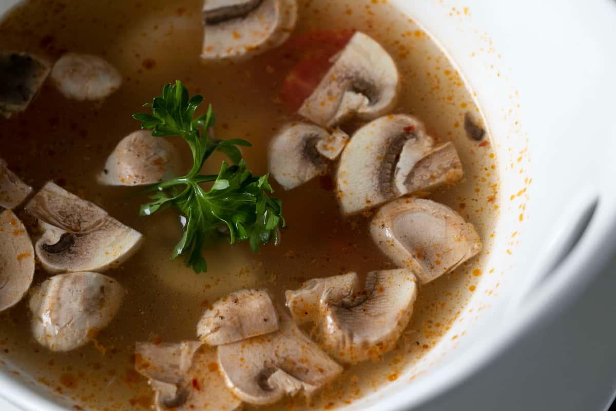 Tom Yum Goong* (Lemongrass Soup)
