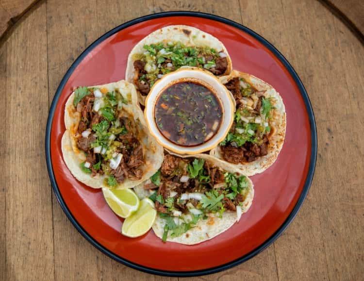 Tacos De Birria Con Consomé