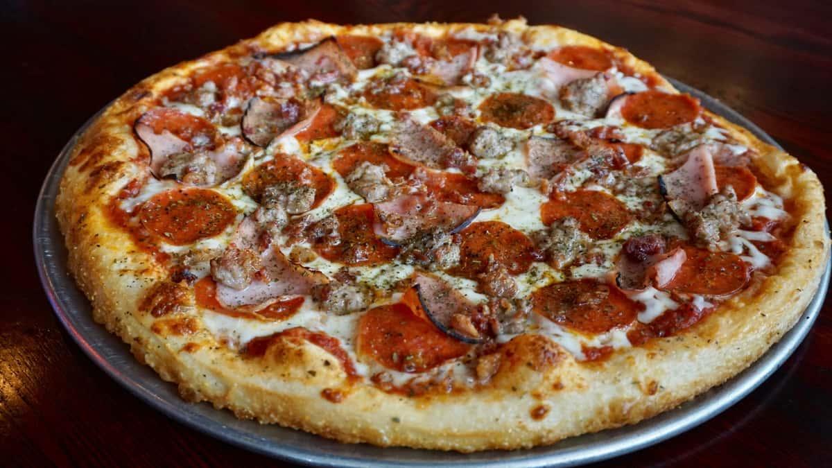 divine swine pizza