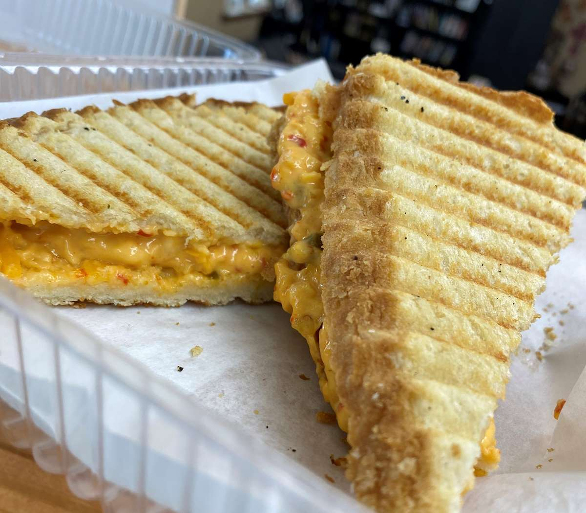 Grilled Jalapeno Pimento Cheese Sandwich
