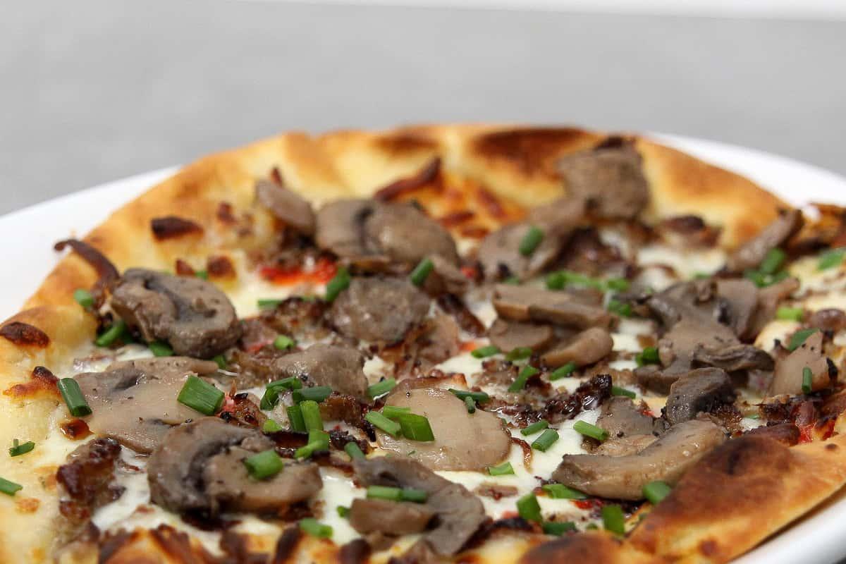 PHILLY CHEESESTEAK FLATBREAD PIZZA