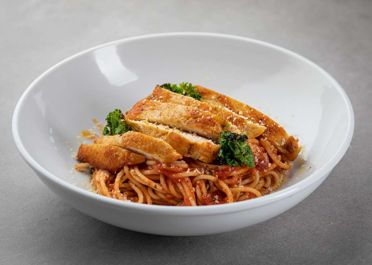 Smoky grilled chicken and organic Spaghetti 05