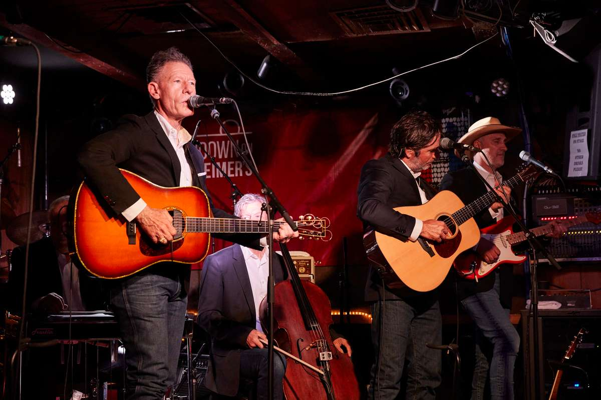 """""""The Handlebar J is a classic night spot in Scottsdale. It's the best place anywhere for dinner, live music, and dancing. - Lyle Lovett (Singer/Songwriter)"""
