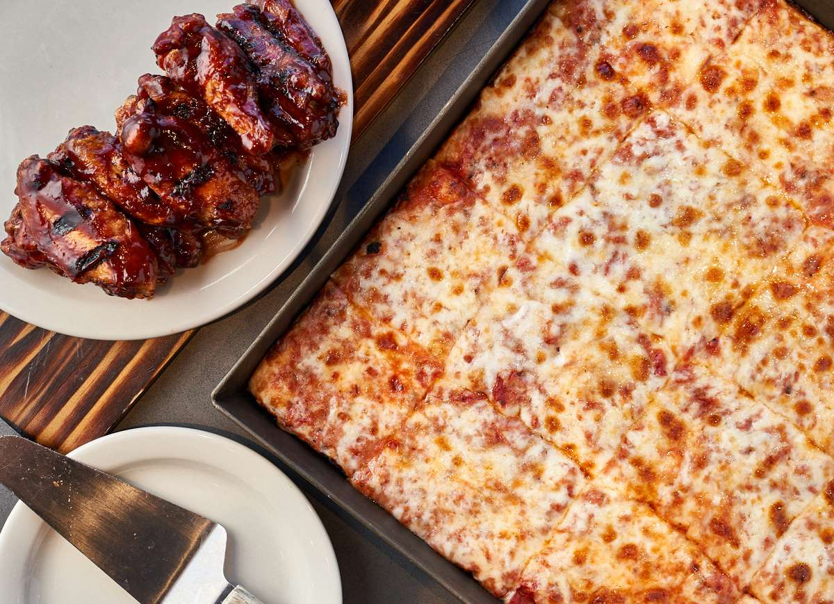 Black Iron Pizza & Wings